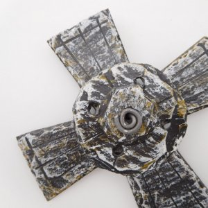 slate-celtic-cross-close-up